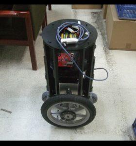 広島市立大学へ提供した倒立ロボットの画像
